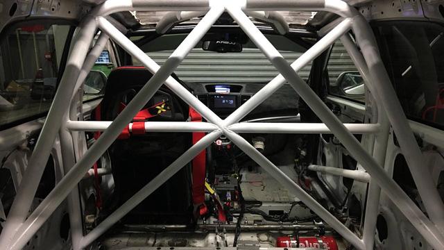 Honda CR-V hàng thửa cho các cựu chiến binh khuyết tật trên đường đua - Ảnh 4.