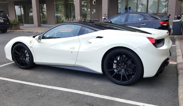 Choáng thiếu gia Hà Nội sở hữu bộ đôi Lamborghini Huracan LP580-2 và Ferrari 488 GTB - Ảnh 4.