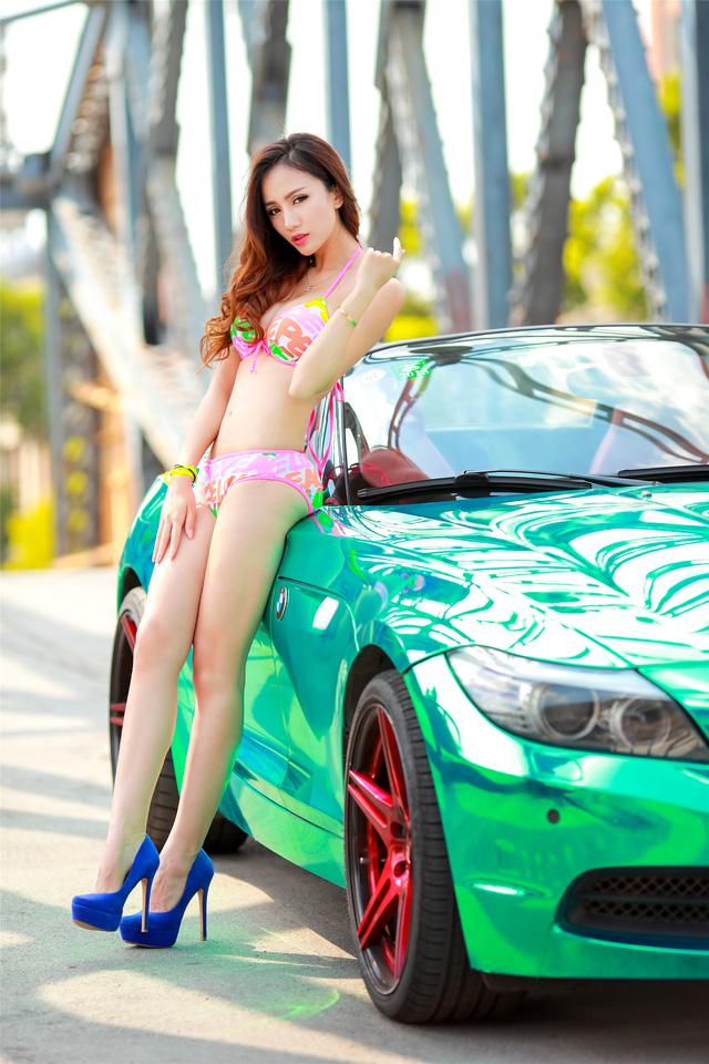 Cô nàng trong veo đầy gợi cảm bên BMW Z4 mạ crome - Ảnh 5.