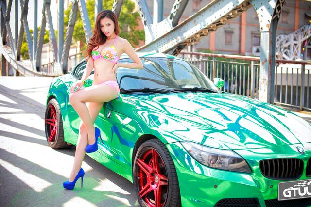 Cô nàng trong veo đầy gợi cảm bên BMW Z4 mạ crome - Ảnh 7.