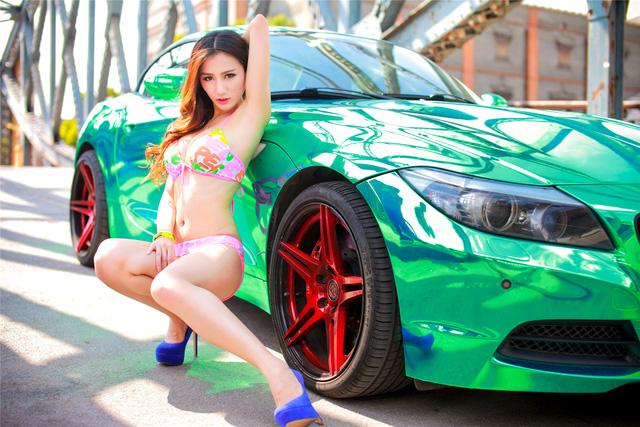 Cô nàng trong veo đầy gợi cảm bên BMW Z4 mạ crome - Ảnh 9.