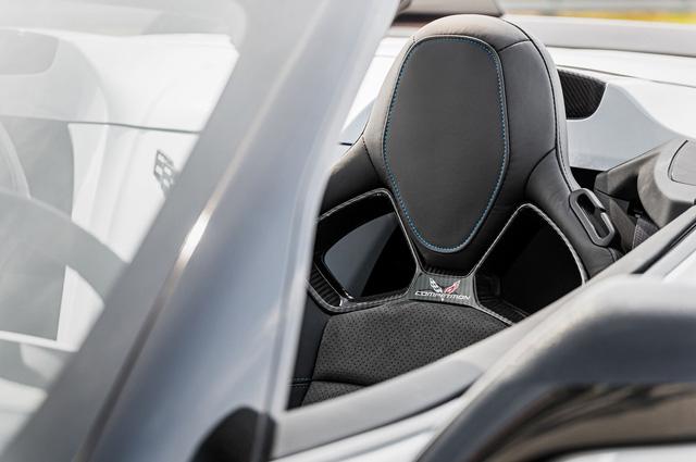 Chevrolet Corvette kỷ niệm 65 năm ra đời bằng gói nâng cấp đặc biệt - Ảnh 7.