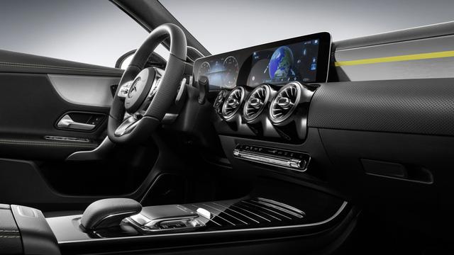 Nội thất Mercedes-Benz A-Class mới tái hiện thiết kế của xe sang S-Class - Ảnh 1.