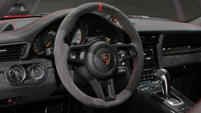 Porsche 911 GT3 2018 chính thức ra mắt, giá từ 3,3 tỷ Đồng - Ảnh 11.