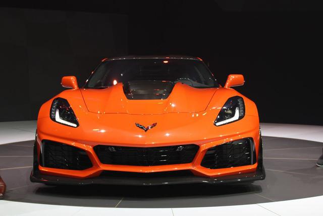 Chevrolet ra mắt Corvette mạnh nhất lịch sử - Ảnh 10.