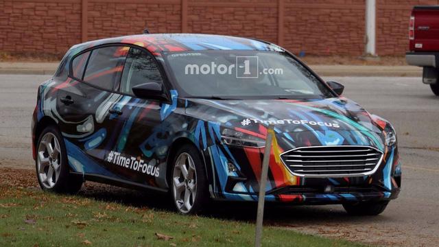 Ford Focus thế hệ mới lộ diện trên phố