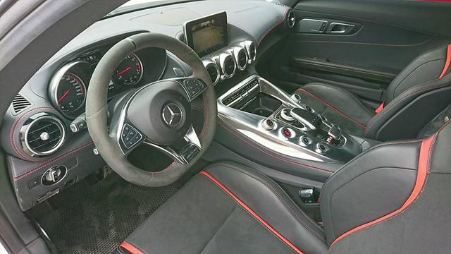 Mercedes-AMG GTS Edition 1 màu trắng đầu tiên về Việt Nam - Ảnh 6.