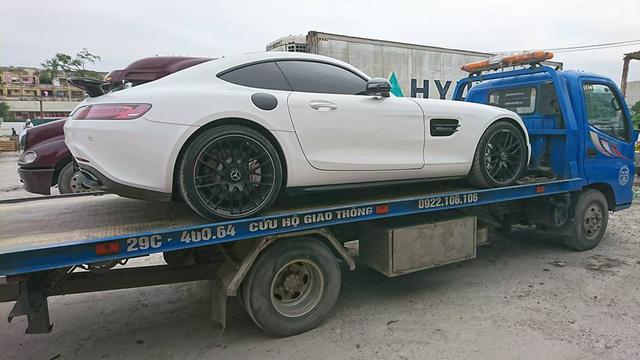Mercedes-AMG GTS Edition 1 màu trắng đầu tiên về Việt Nam - Ảnh 4.