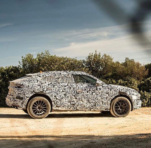 Siêu SUV Lamborghini Urus lần đầu lộ ảnh nội thất - Ảnh 6.