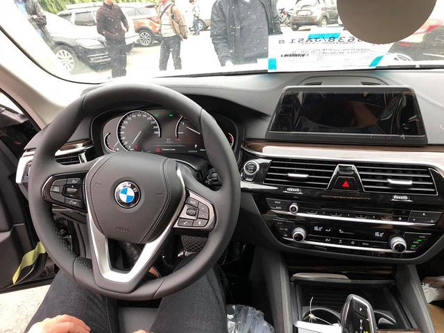 Sedan hạng sang BMW 5-Series 2017 đầu tiên về Việt Nam - Ảnh 4.