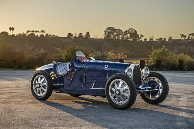 Gặp gỡ bản sao giá hơn 5 tỉ của siêu phẩm Bugatti Type 35 - Ảnh 1.