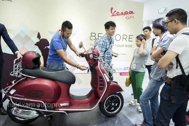 Vespa GTS trình làng khách Việt với 3 phiên bản 125cc, 150cc và 300cc - Ảnh 2.