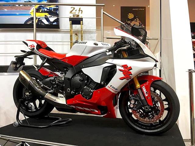 Ra mắt Yamaha R1 bản kỷ niệm 20 năm trở lại thời tiền sử - Ảnh 1.