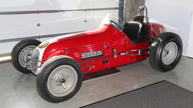 Khám phá bộ sưu tập xe cổ của cha đẻ McLaren F1 - Ảnh 21.