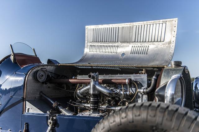 Gặp gỡ bản sao giá hơn 5 tỉ của siêu phẩm Bugatti Type 35 - Ảnh 8.