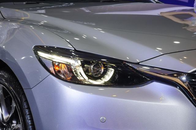 Thách thức Toyota Camry, Mazda6 mới ra mắt với giá 975 triệu Đồng - Ảnh 1.
