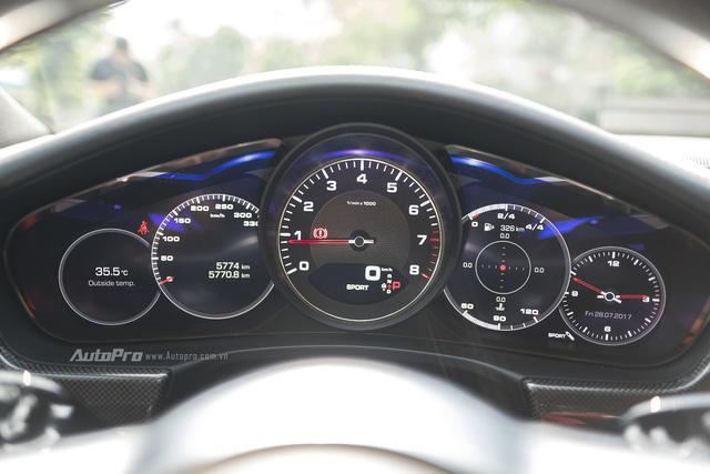 Với giá hơn 8,1 tỉ Đồng, Porsche Panamera 4S 2017 mang lại điều gì cho khách hàng Việt - Ảnh 3.