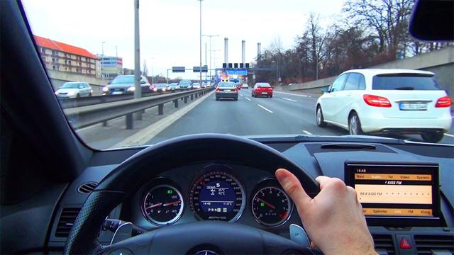 Những điều cần chú ý khi lái xe ở tốc độ cao - Ảnh 4.