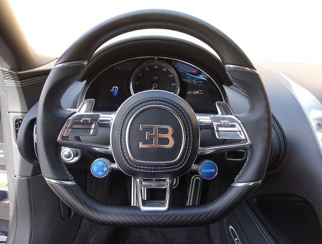 Vẻ đẹp của siêu phẩm Bugatti Chiron đầu tiên rao bán tại Anh - Ảnh 14.