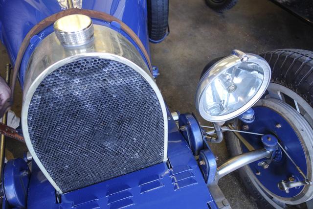 Gặp gỡ bản sao giá hơn 5 tỉ của siêu phẩm Bugatti Type 35 - Ảnh 9.