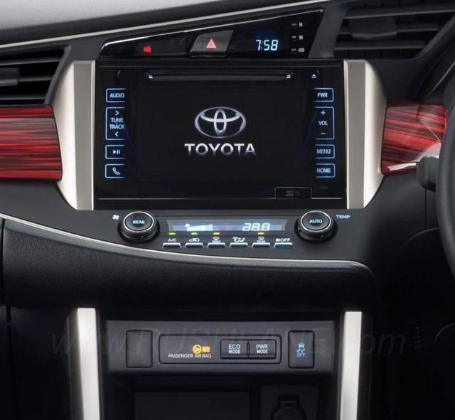 Toyota Innova Venturer 2017 bắt đầu được bán tại Việt Nam, giá 855 triệu đồng - Ảnh 5.