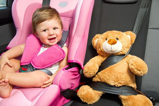 Những điều cần biết về ghế trẻ em trong xe ô tô