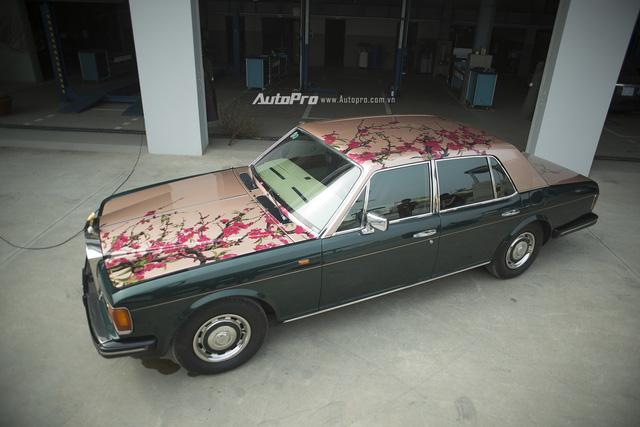 Hàng độc Rolls-Royce Silver Spirit thay áo mới đón Tết - Ảnh 2.