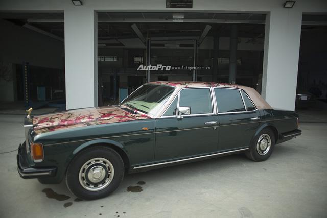 Hàng độc Rolls-Royce Silver Spirit thay áo mới đón Tết - Ảnh 5.