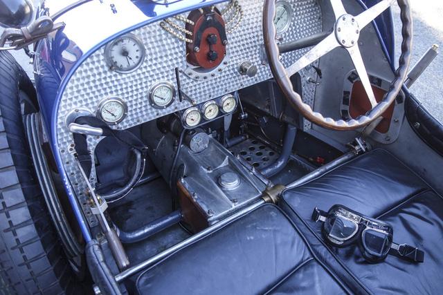 Gặp gỡ bản sao giá hơn 5 tỉ của siêu phẩm Bugatti Type 35 - Ảnh 7.