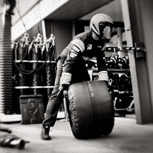 Đường đua F1 đẹp mộng mị qua máy ảnh phim 104 tuổi - Ảnh 12.
