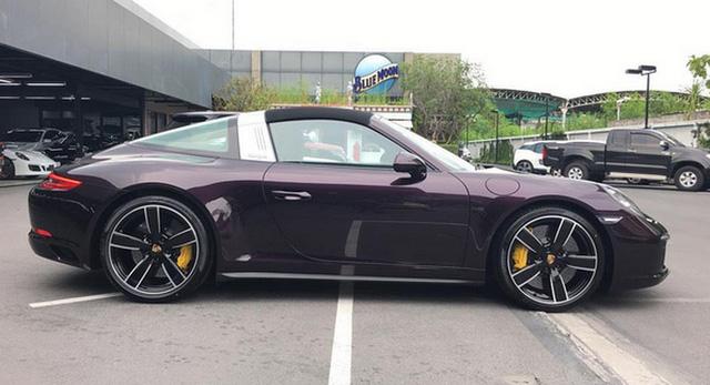 Ngất ngây với Porsche 911 Targa 4S sở hữu bộ áo màu thạch anh tím tại Thái Lan - Ảnh 1.