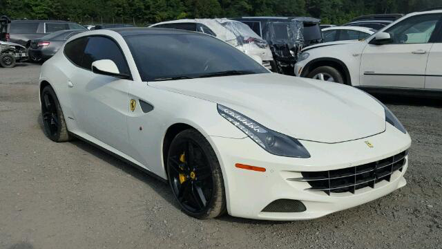 """Ferrari FF từng bị """"chết đuối"""" tìm thấy chủ nhân mới"""