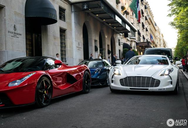 Bộ 3 siêu phẩm cực hiếm đồng loạt xuất hiện trên phố Paris - Ảnh 2.