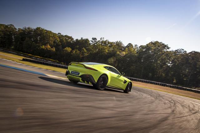 Aston Martin Vantage 2019 phá bỏ giới hạn trong thiết kế - Ảnh 8.