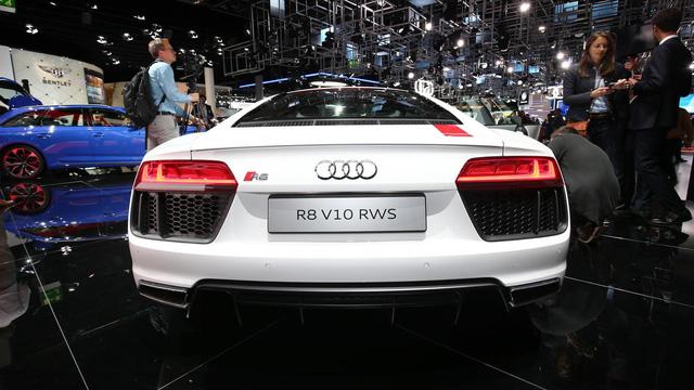 Audi giới thiệu siêu xe R8 V10 phiên bản dẫn động cầu sau, giá từ 3,8 tỷ Đồng - Ảnh 7.