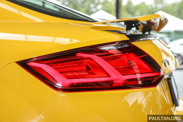 Audi TT 2.0 Black Edition 2018 có giá 77.858 USD tại Malaysia - Ảnh 6.