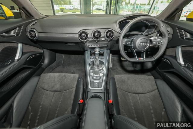 Audi TT 2.0 Black Edition 2018 có giá 77.858 USD tại Malaysia - Ảnh 3.