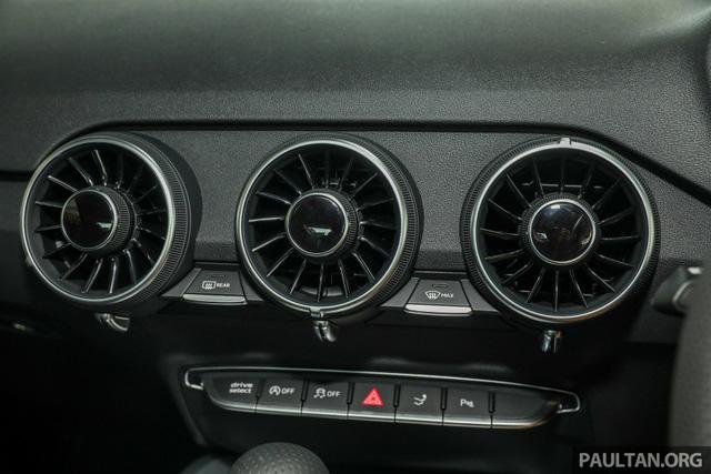 Audi TT 2.0 Black Edition 2018 có giá 77.858 USD tại Malaysia - Ảnh 16.