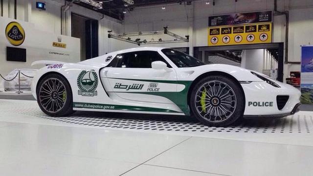 Cảnh sát Dubai tậu xe điện BMW i3 - Ảnh 5.
