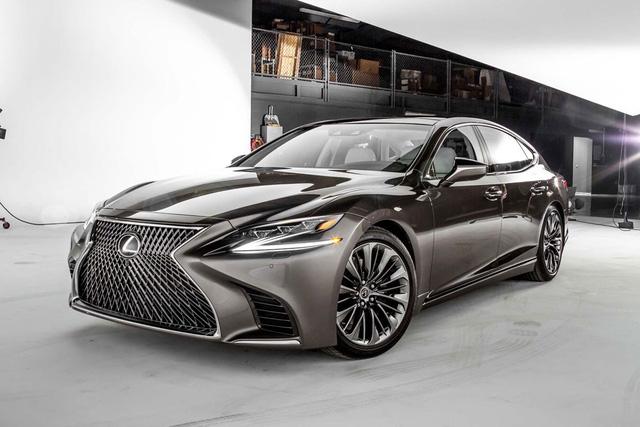 Cận cảnh vẻ đẹp xuất sắc của Lexus LS 2018 ngoài đời thực - Ảnh 17.