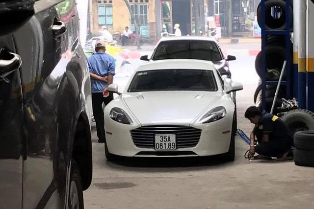 Sau vụ việc biển giả, Aston Martin Rapide S của thiếu gia Ninh Bình đeo biển xịn - Ảnh 5.