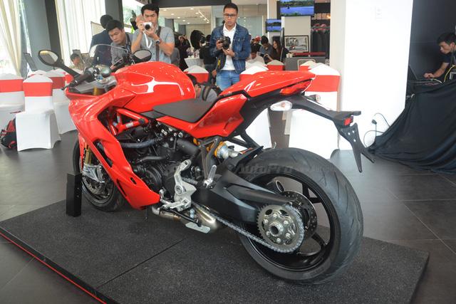 Cận cảnh Ducati SuperSport 2017 phiên bản S có giá 571 triệu Đồng - Ảnh 10.