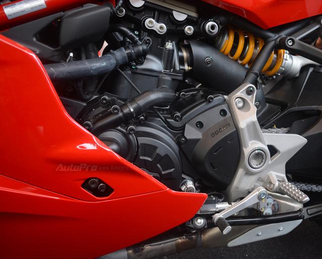 Cận cảnh Ducati SuperSport 2017 phiên bản S có giá 571 triệu Đồng - Ảnh 18.