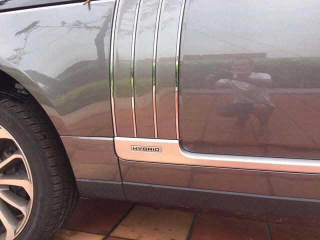 Range Rover SVAutobiography Hybrid đầu tiên được đưa về nước - Ảnh 4.
