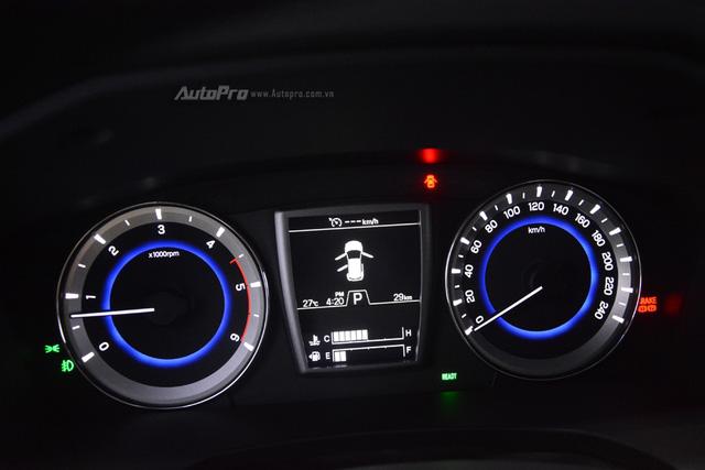 SsangYong G4 Rexton 2018 có gì hot để cạnh tranh cùng Toyota Fortuner - Ảnh 19.