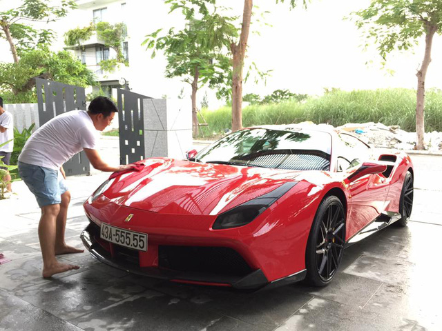 Cư dân mạng xôn xao cặp đôi siêu xe độ khủng, biển VIP của một doanh nhân Đà Nẵng - Ảnh 3.
