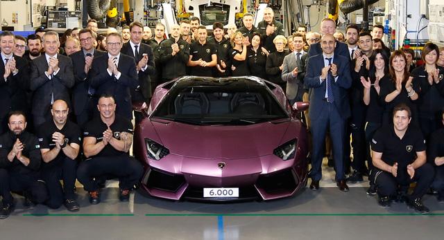 Năm 2016: Trung bình 1 ngày, Lamborghini bán được 9 chiếc siêu xe - Ảnh 2.