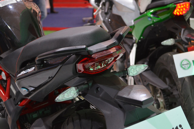 Benelli TNT 300 bản trang bị phanh ABS ra mắt với giá 115 triệu Đồng - Ảnh 2.