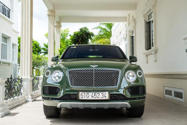 Cận cảnh Bentley Bentayga cá nhân hóa độc nhất Việt Nam - Ảnh 1.