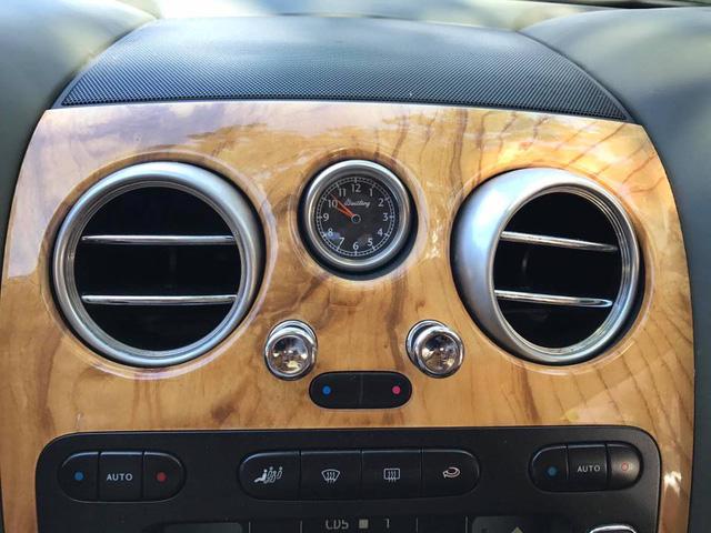 Cư dân mạng xôn xao với chiếc Bentley Continental GT màu hồng có giá rao bán hơn 1 tỷ Đồng - Ảnh 9.